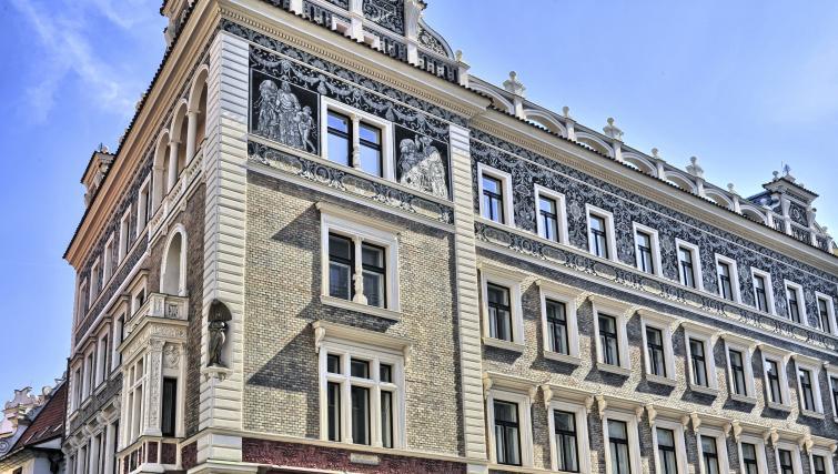 Exterior at Jilska Palace Apartments - Citybase Apartments