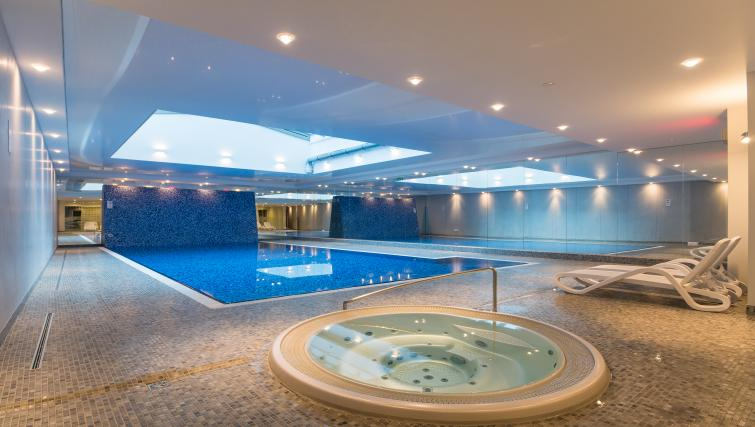 Swimming pool at the Waterlane Residence Apartments - Citybase Apartments