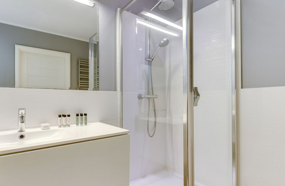 Mirror at Waterlane Residence Apartments, Srodmiescie, Gdansk - Citybase Apartments