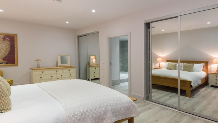 Bedroom at the Midsummer Mews - Citybase Apartments