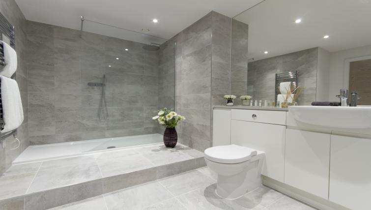 Bathroom at the Midsummer Mews - Citybase Apartments