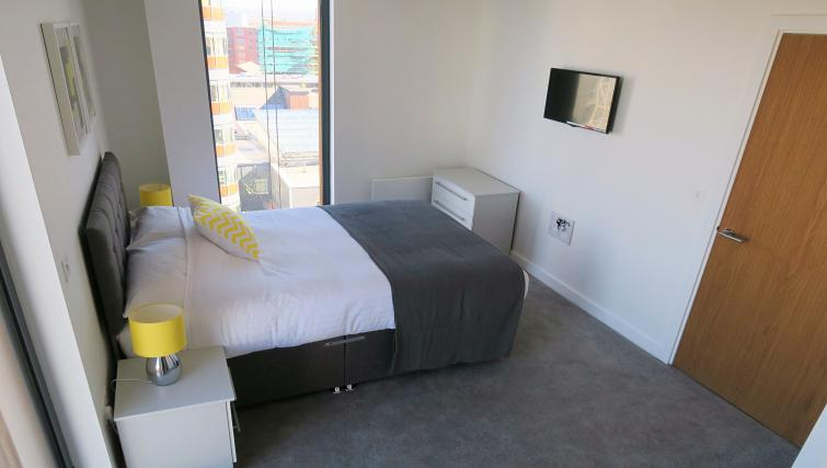 Large bed at the Gateway Apartments Northern Quarter - Citybase Apartments