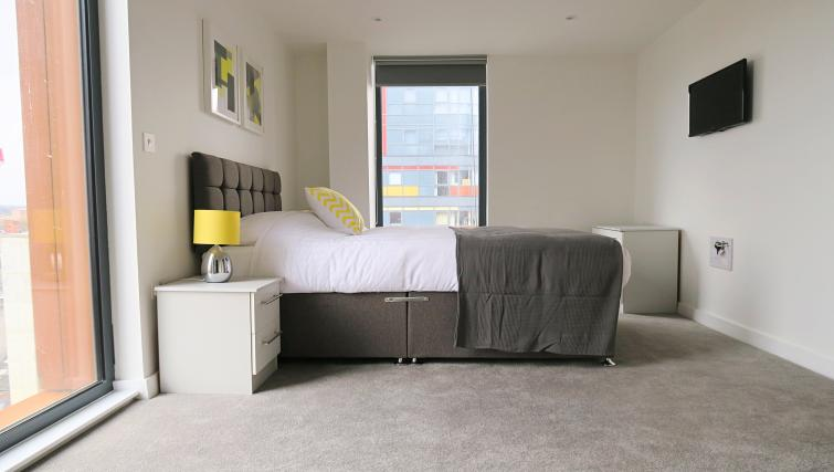 Smart bedroom at the Gateway Apartments Northern Quarter - Citybase Apartments