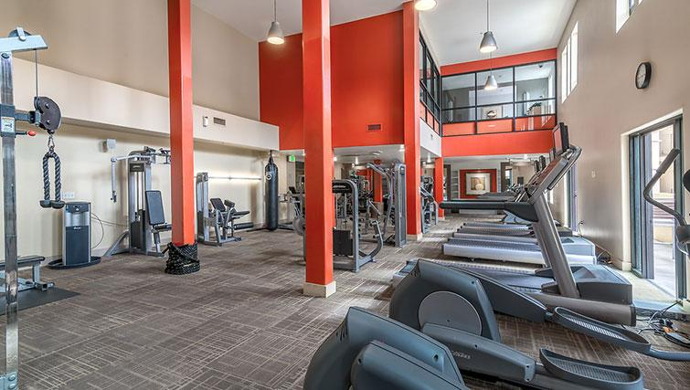 Gym at 5600 Wilshire Apartments - Citybase Apartments