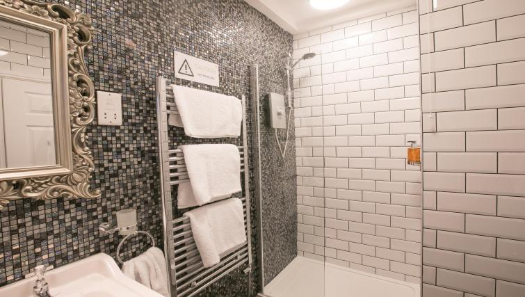 Shower room at Number 10 The Abbey Apartments - Citybase Apartments
