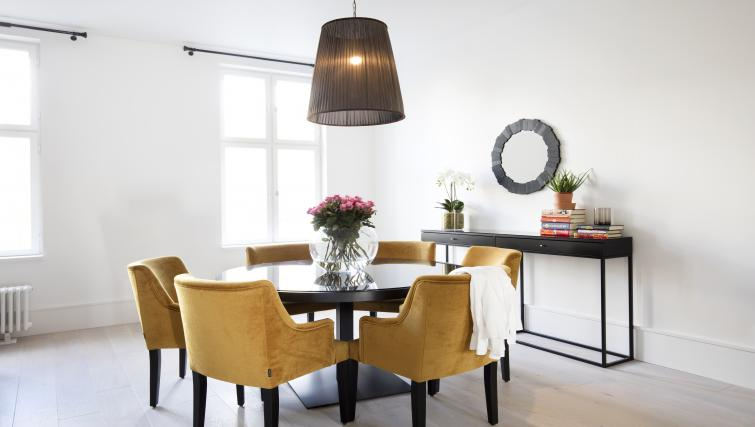 Dining area at Colbjørnsens Gate 4 Apartments - Citybase Apartments