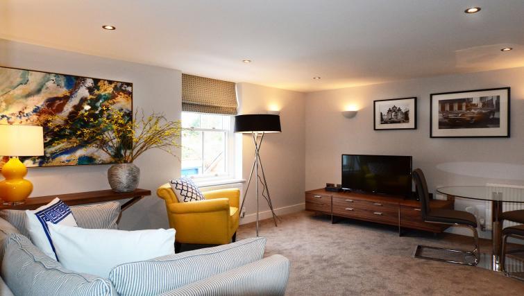 Lounge at Dunara Suites - Citybase Apartments
