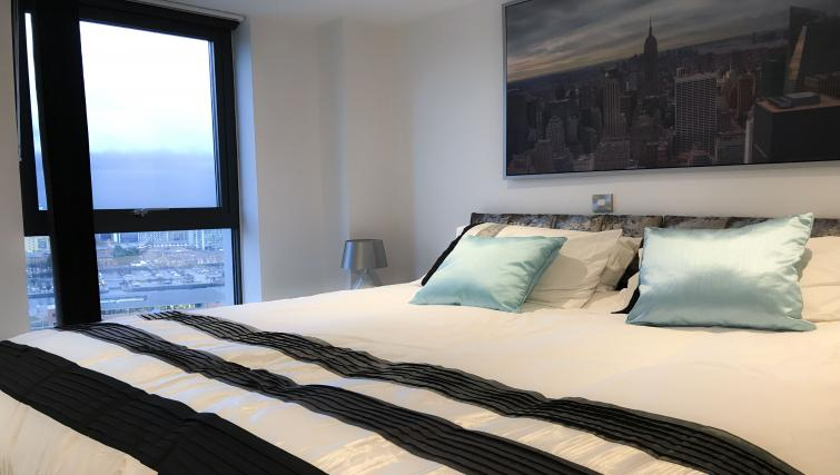 Bedroom at IncityNow Media City Penthouse - Citybase Apartments