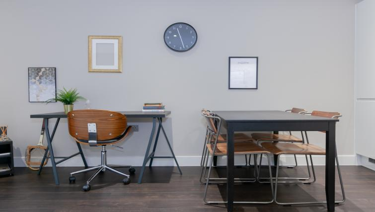 Dining table at The Courtroom Apartments - Citybase Apartments