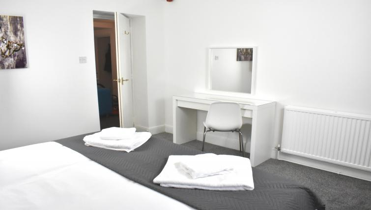 Dressing table at Montpellier Villas Apartment - Citybase Apartments