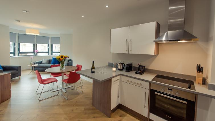 Modern kitchen at Premier Suites Plus Bath Street Apartments - Citybase Apartments