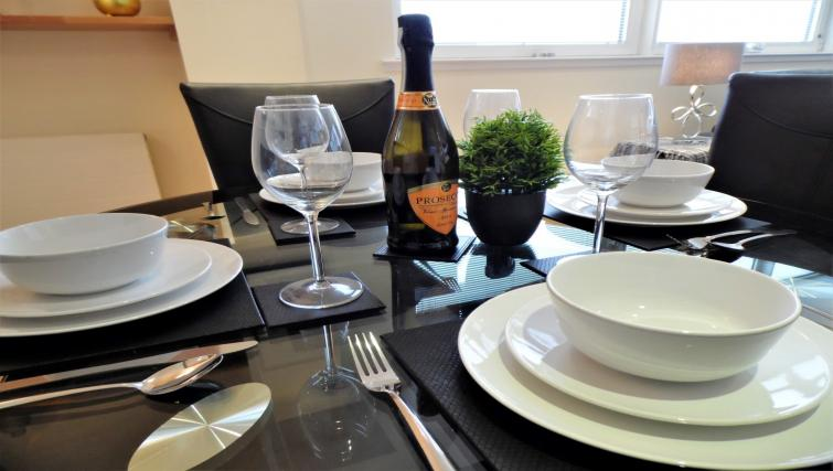Dining at the Harbour View Apartment - Citybase Apartments