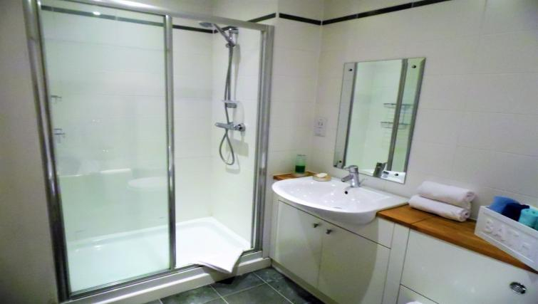 Bathroom at the Harbour View Apartment - Citybase Apartments