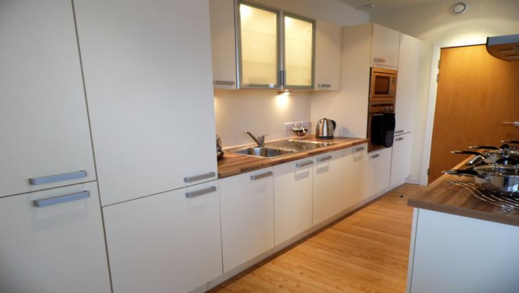 Kitchen facilities at the Harbour View Apartment - Citybase Apartments