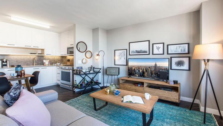 Modern living room at East Houston Street 250 - Citybase Apartments