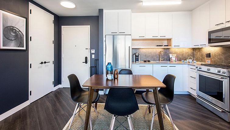 Dining table at East Houston Street 250 - Citybase Apartments