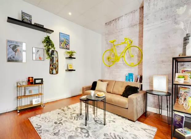 Living area at Ponthieu Apartments, 8th Arr, Paris - Citybase Apartments