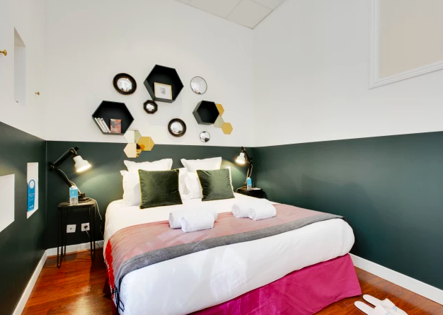 Room at Ponthieu Apartments, 8th Arr, Paris - Citybase Apartments