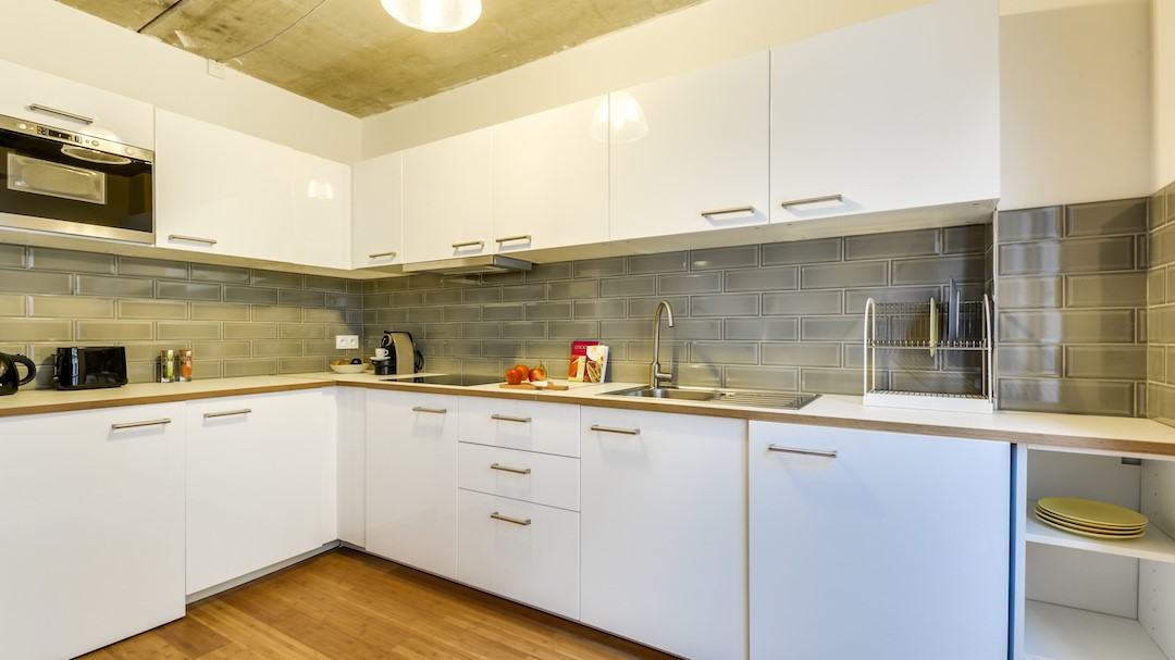 Modern kitchen at  Rue de Milan Apartments - Citybase Apartments
