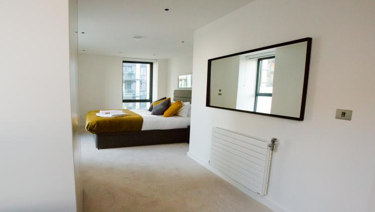 Bed at GIGLI Apartments Wembley - Citybase Apartments