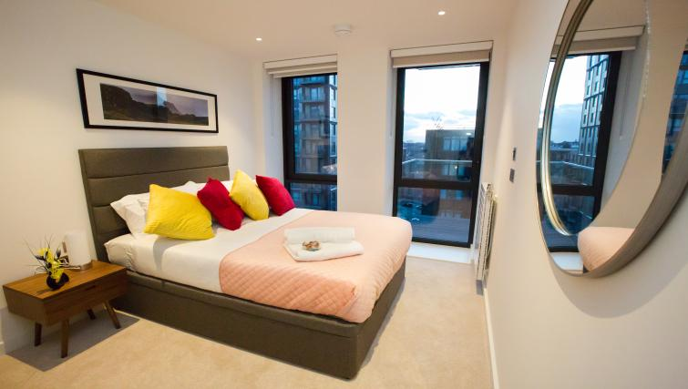 Double bed at GIGLI Apartments Wembley - Citybase Apartments