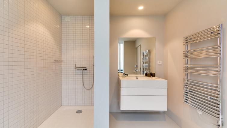 Bathroom at the Brune Apartments - Citybase Apartments