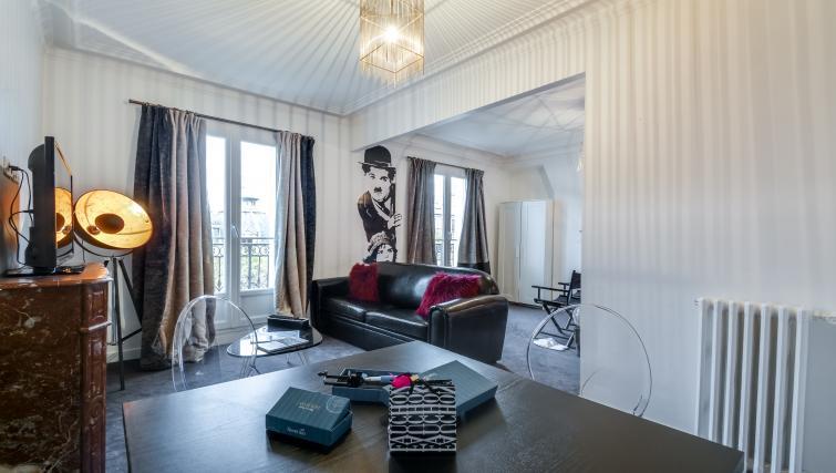 Living room at Saint Germain Apartments - Citybase Apartments