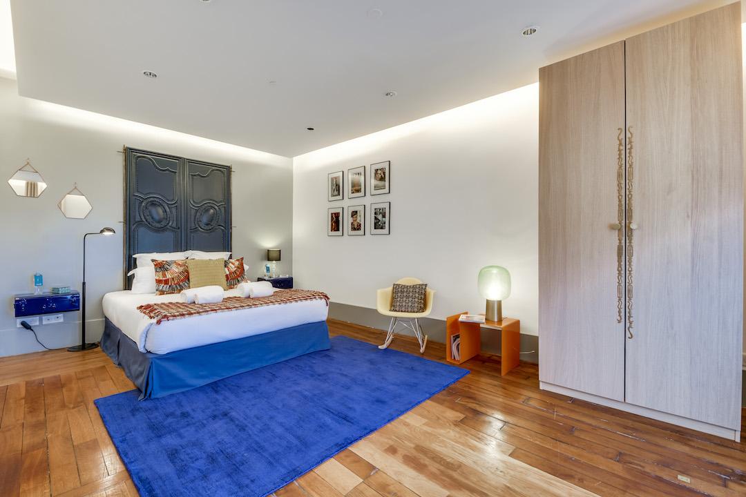 Large bedroom at Saint Germain Apartments - Citybase Apartments