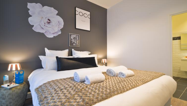 Bedroom at the Monsigny Apartments - Citybase Apartments