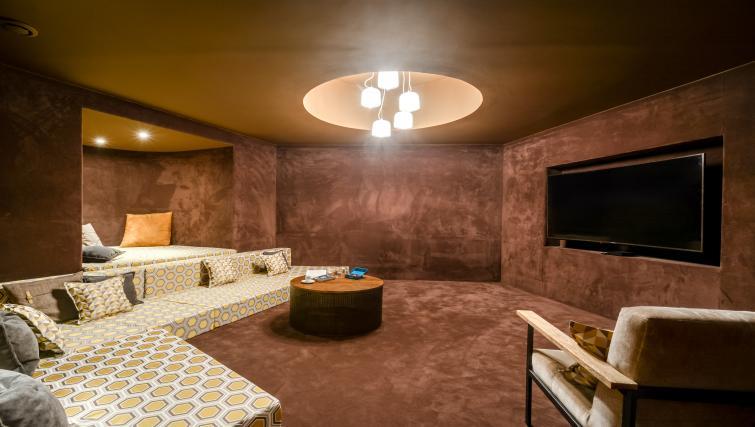 Cinema room at the Ravignan Apartments - Citybase Apartments