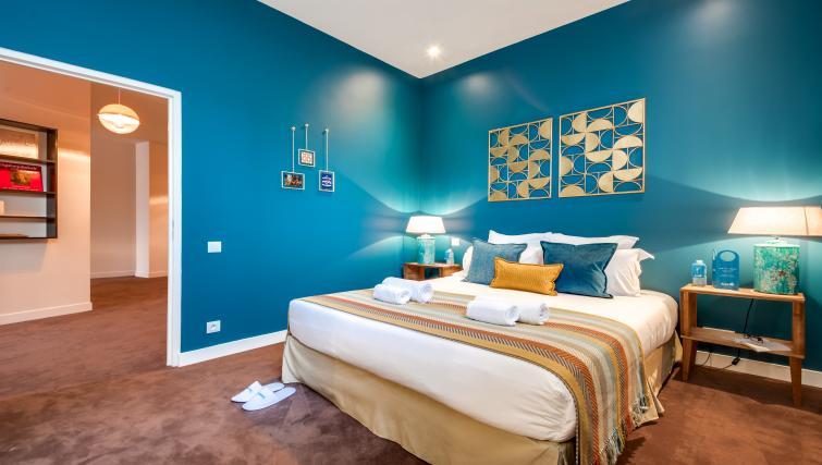 Bedroom at the Ravignan Apartments - Citybase Apartments