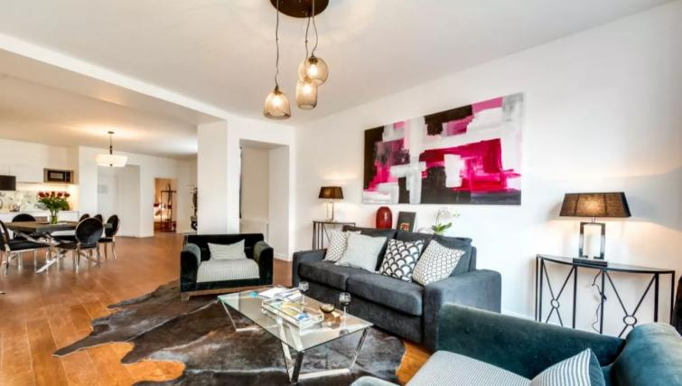 Living room at the Ravignan Apartments - Citybase Apartments