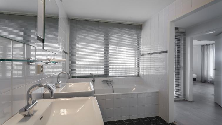 Bathroom at La Fenêtre Apartments - Citybase Apartments
