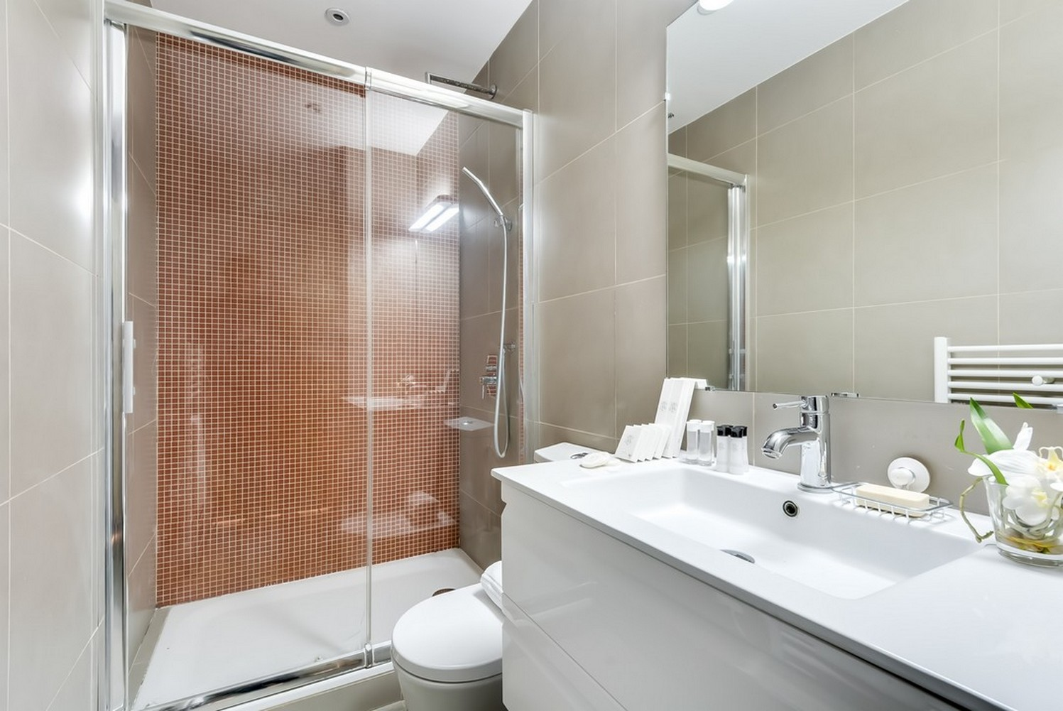 Bathroom at Enghien Apartments - Citybase Apartments