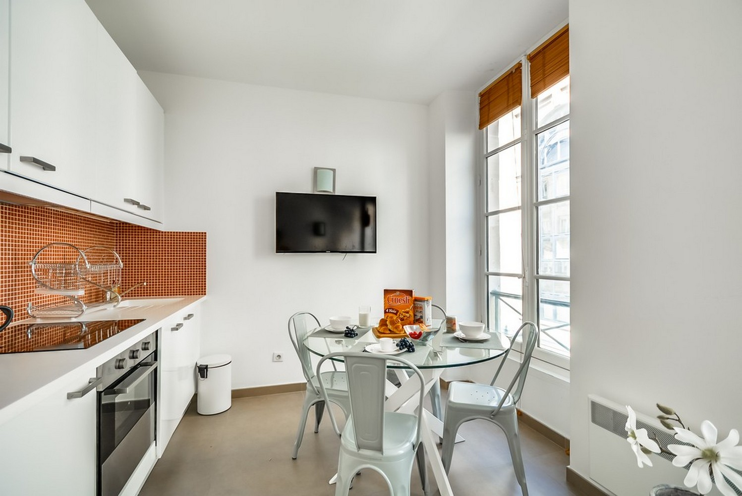 Dining table at Enghien Apartments - Citybase Apartments