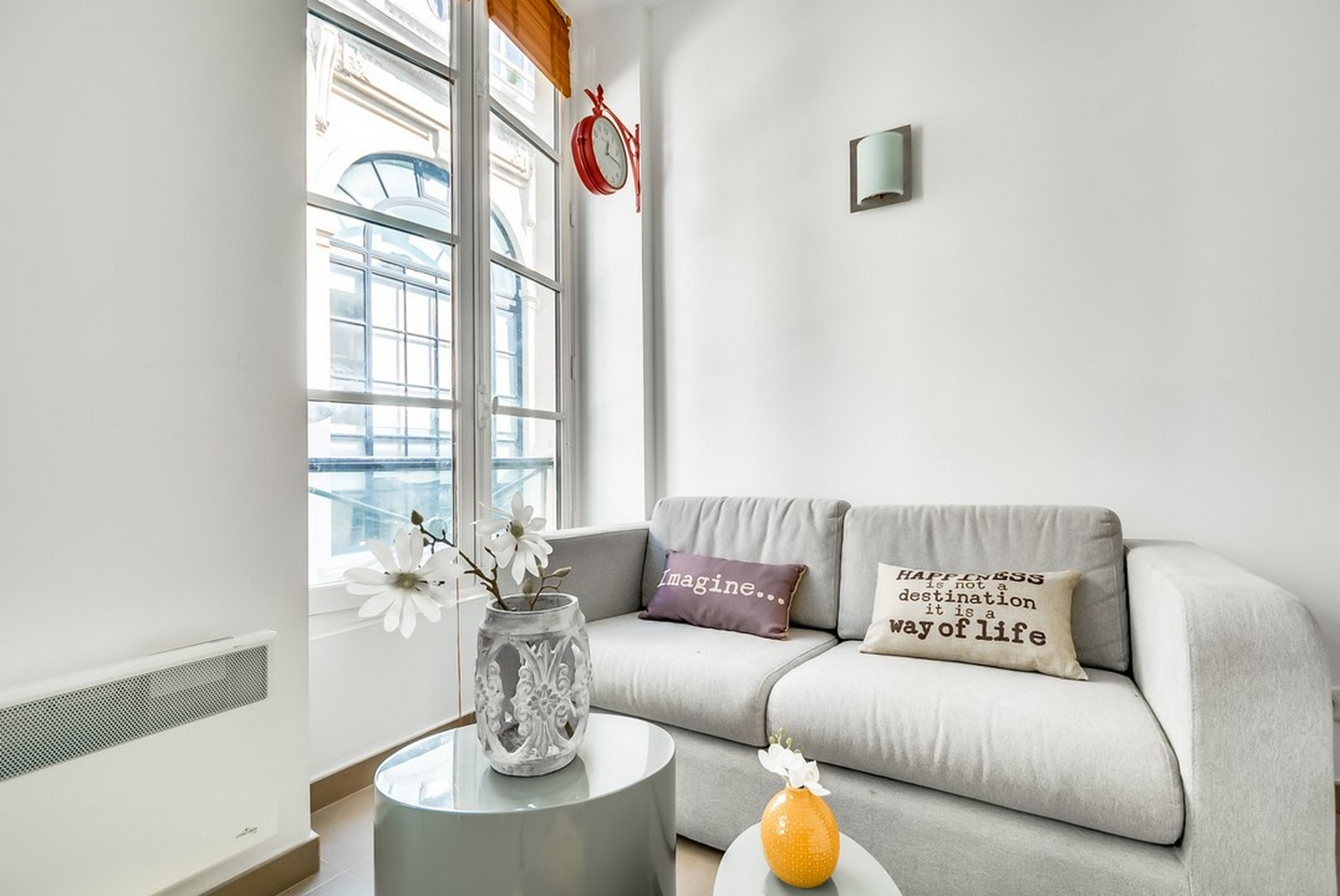 Bright lounge at Enghien Apartments - Citybase Apartments