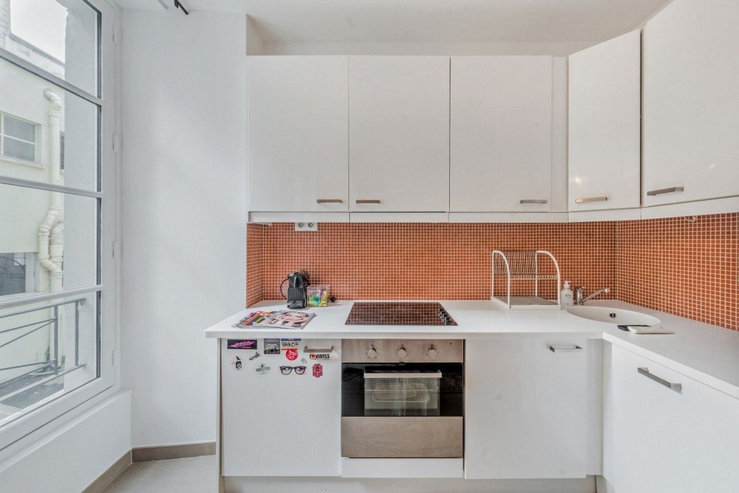 Stove at Enghien Apartments - Citybase Apartments