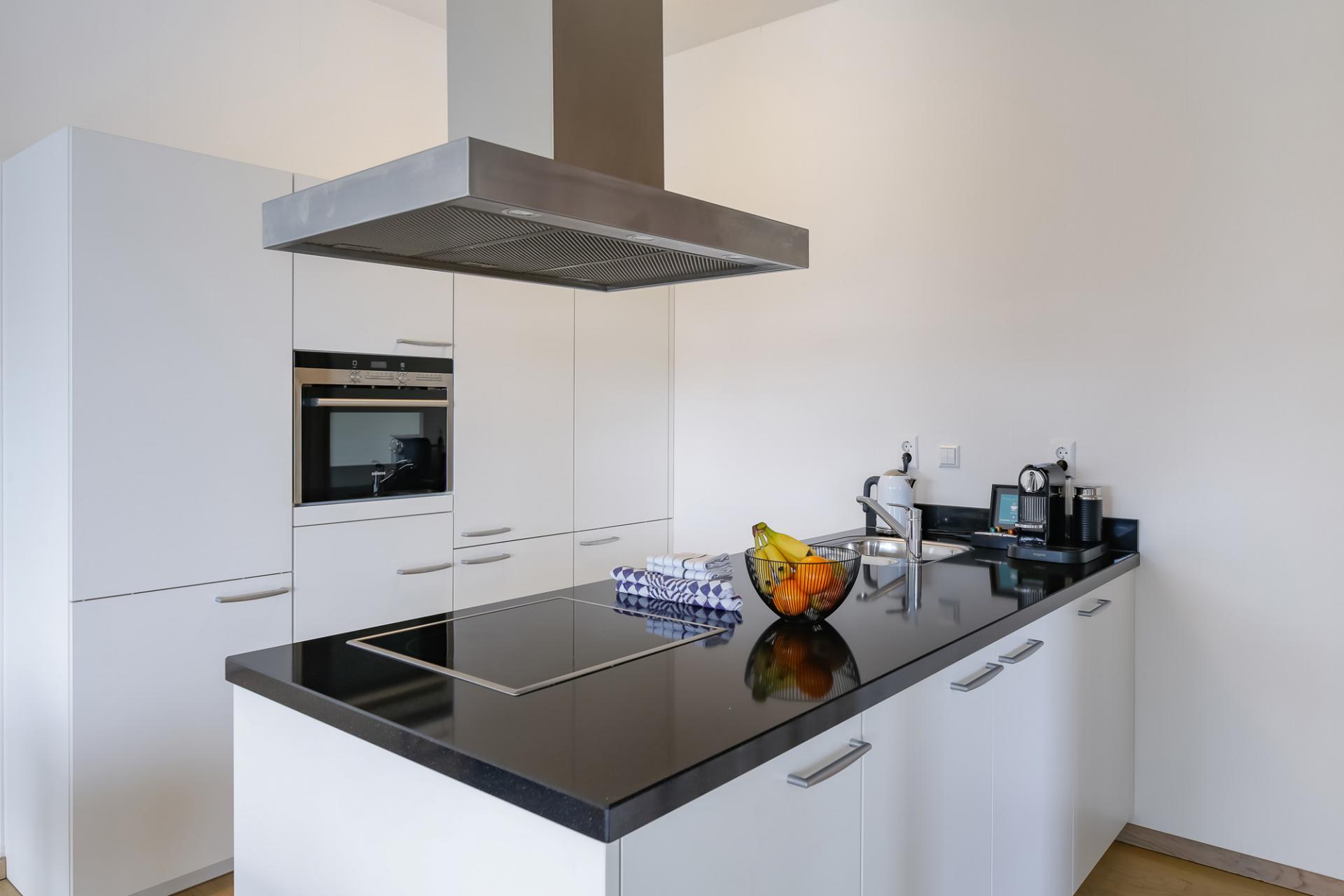 Kitchen at New Orleans Apartments, Kop Van Zuid, Rotterdam - Citybase Apartments