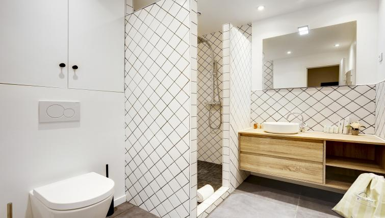 Bathroom at the Strasbourg Apartments - Citybase Apartments