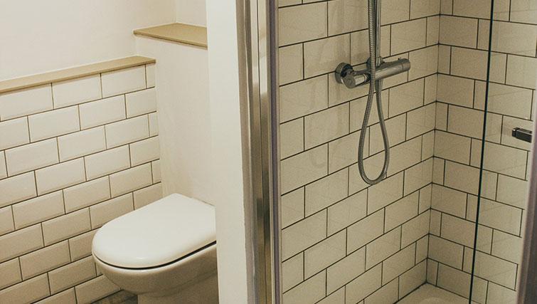 Bathroom at The Flint Studios - Citybase Apartments