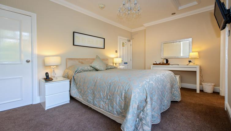 Double bed at Lennox Lea Studios & Apartments - Citybase Apartments
