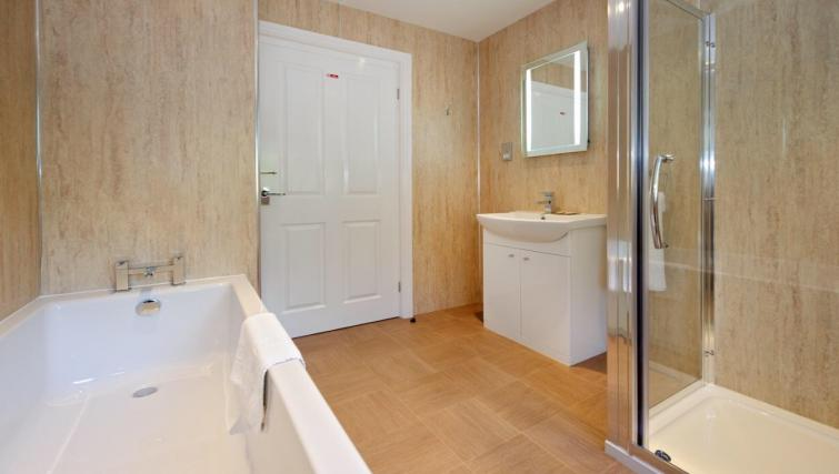 Bathroom at Lennox Lea Studios & Apartments - Citybase Apartments