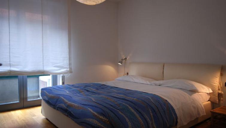 Bedroom at the Zanella B Apartment - Citybase Apartments