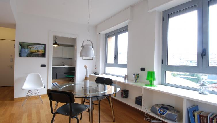 Dining table at the Zanella B Apartment - Citybase Apartments