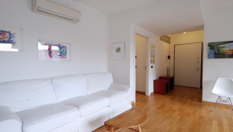 Furnishings at the Zanella B Apartment - Citybase Apartments