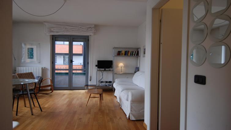 Lounge at the Zanella B Apartment - Citybase Apartments