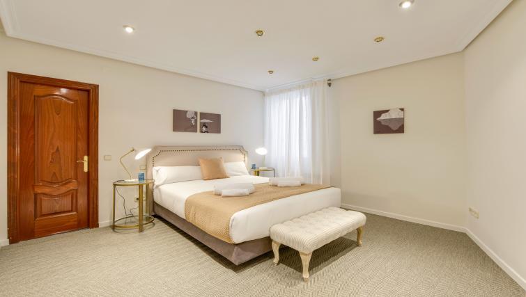 Bed at the Gran Via - San Bernardo Apartment - Citybase Apartments