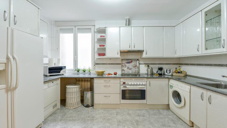 Kitchen at the Gran Via - San Bernardo Apartment - Citybase Apartments