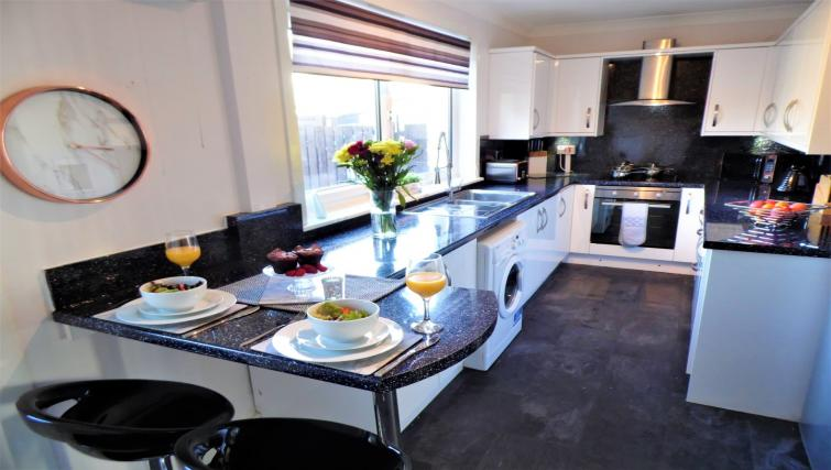 Modern kitchen at Stanefield House - Citybase Apartments
