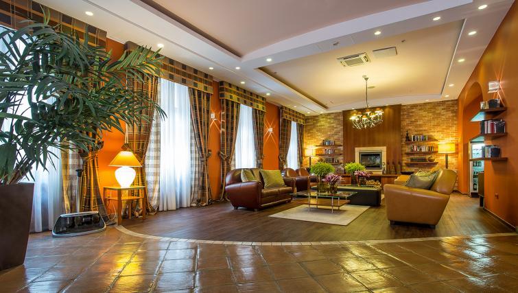 Lobby at the Mamaison Residence Izabella - Citybase Apartments